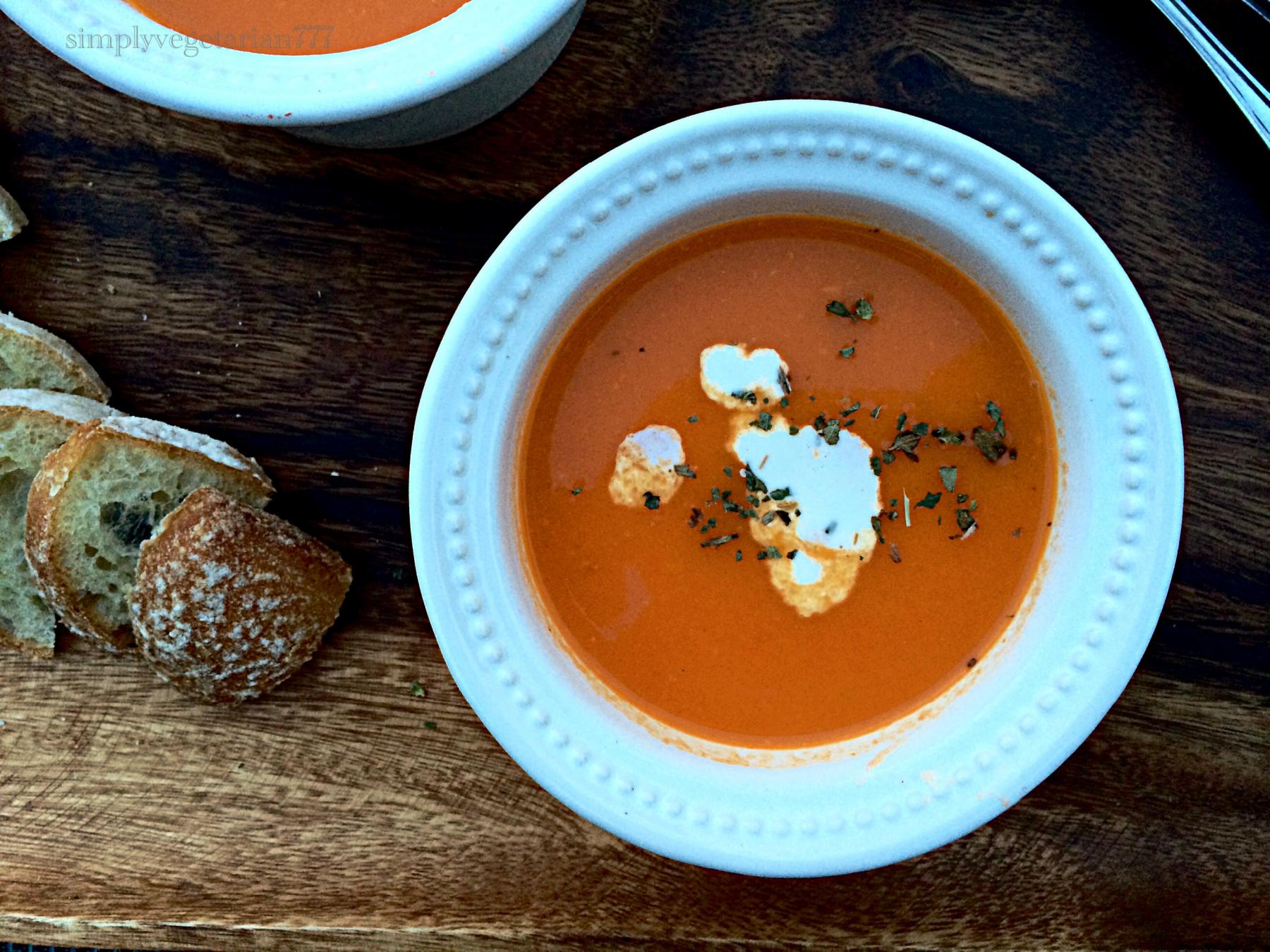 Restaurant Style Tomato Soup