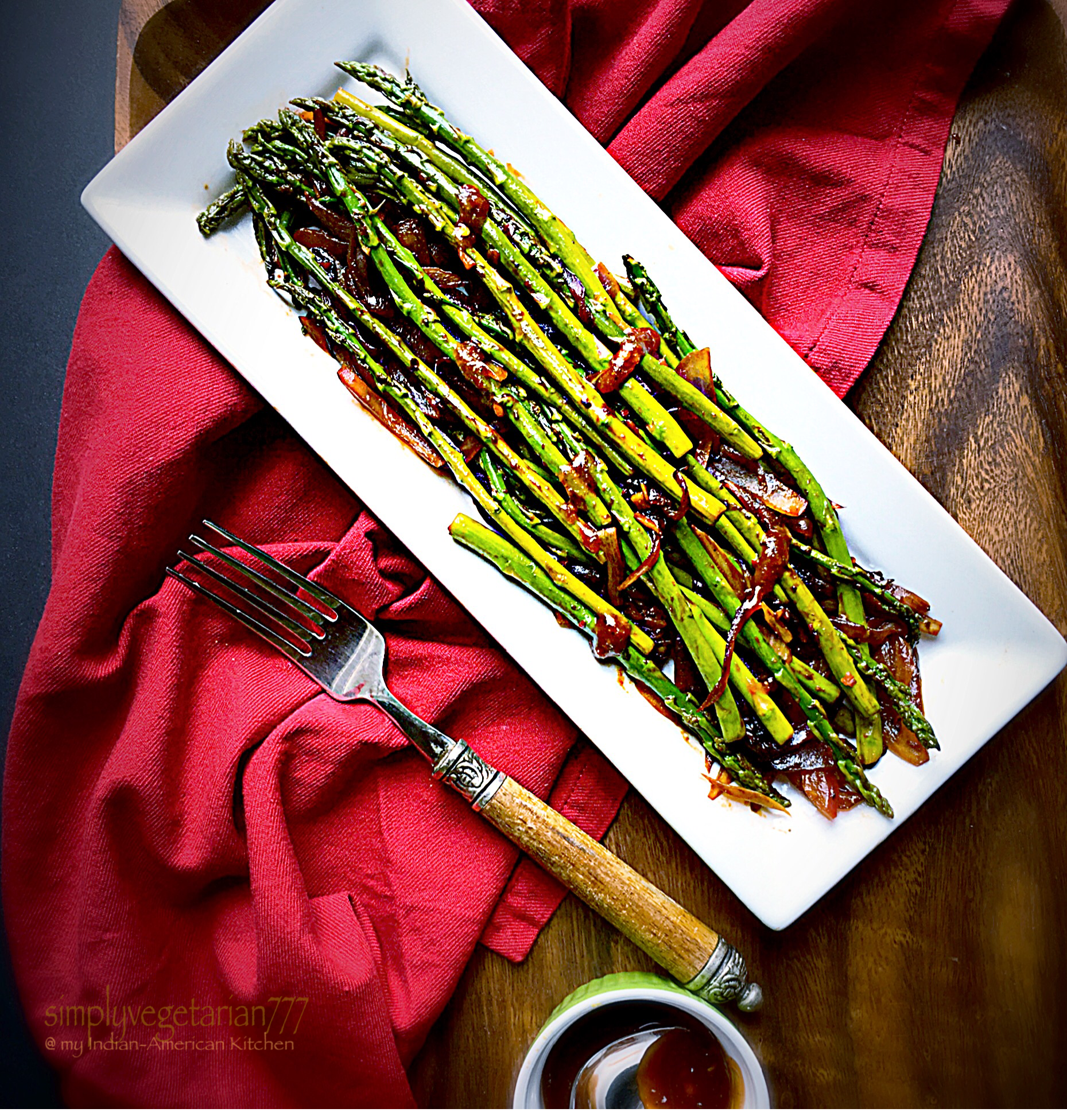 Pan Grilled Asparagus in Barbecue Sauce