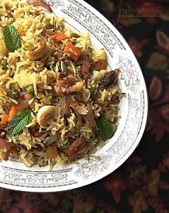 Kashmiri Mix Vegetables Pulav n' Apple Mint Raita is a famous pulav form the region of Kashmir. #pulav #kashmiripulav #vegetariankashmirirecipes