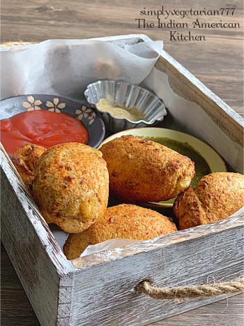 These Air Fryer Bread Rolls are the best of the kind. It is aGuilt-FreeBread Roll Recipe without losing the taste. Crispy and Comforting - these rolls are so darn good. It is a perfect indulging vegetarian appetizer or weekend brunch recipe. #airfryerrecipes #airfryerbreadroll #breadroll #airfryervegetarianrecipes #philipsairfryerrecipes #vegetarianappetizer