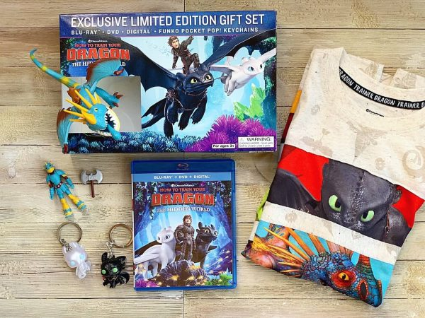 What is inside How to train your dragon Walmart Exclusive DVD Gift Set?