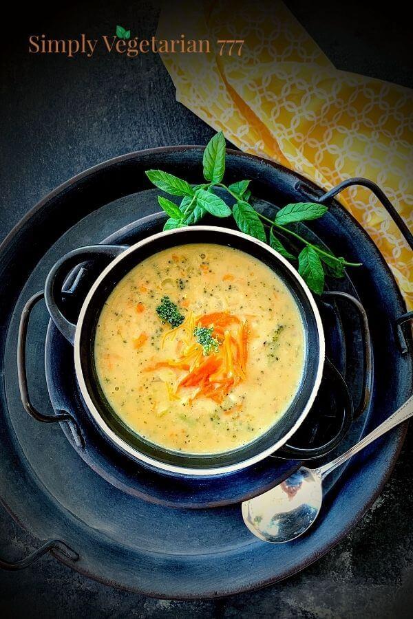 Panera Copycat Broccoli Cheddar Soup in Instant Pot