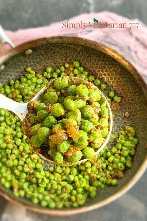 Matar ki Stuffing or Green Peas Stuffing