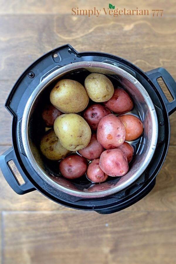 How to cook potatoes in Instant Pot?