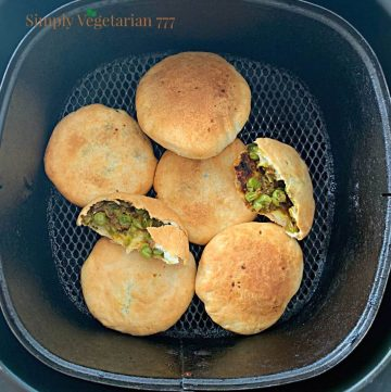 How to make kachori in air fryer?